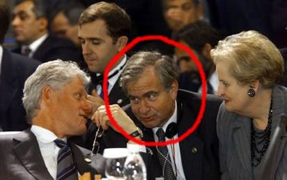 Treasonous, national-security-document-stealing Sandy Berger confers with his boss, Bill Clinton