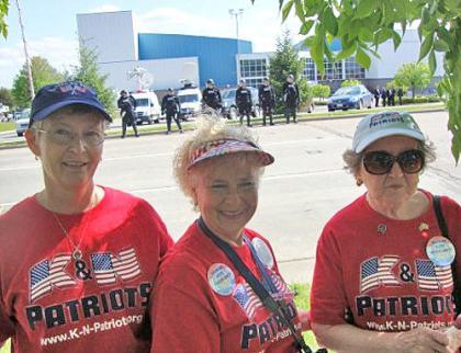 500wde_Quincy-Ohio-Tea-Party-Grannies