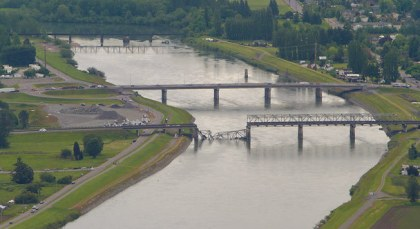 Briege over Skagit River