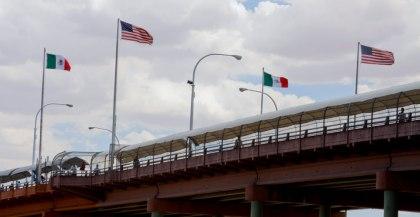 Mexodus-24-bridge-flags-web