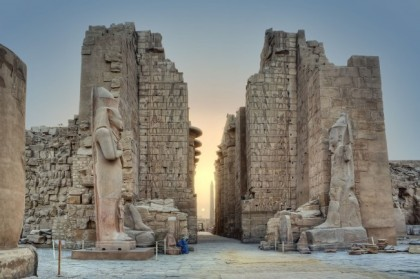 sunrise-in-karnak-temple-luxor-egypt-651x433