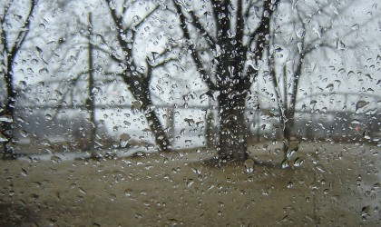 1280px-Rainy-day-in-Henry-Illinois