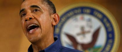 Obama visits  Marine Corps Base Hawaii on Christmas Day