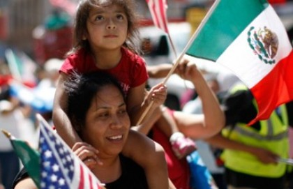 mexican-flag-us-flag-reuters