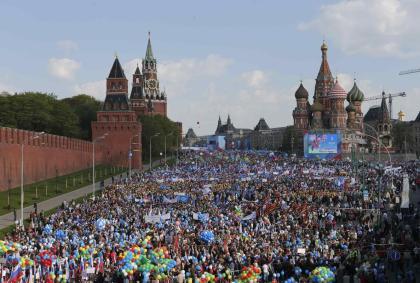 2014-05-01T073112Z_1431527870_GM1EA5116YN01_RTRMADP_3_RUSSIA