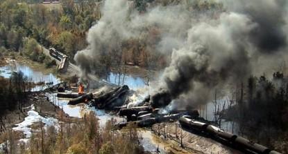 sns-rt-us-crude-train-explosion-20131108-001