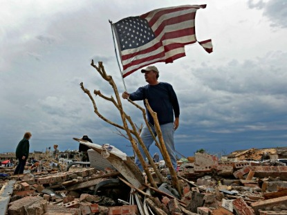 OKLAHOMA_TORNADO_tattered_Flag_AP