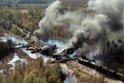 sns-rt-us-crude-train-explosion-20131108-001