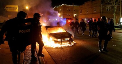 ferguson-riots-burning-car