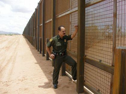 mexico-wall-pedestrian-image1