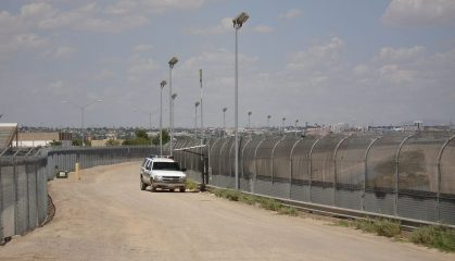 1200px-us-mexico_border_fence